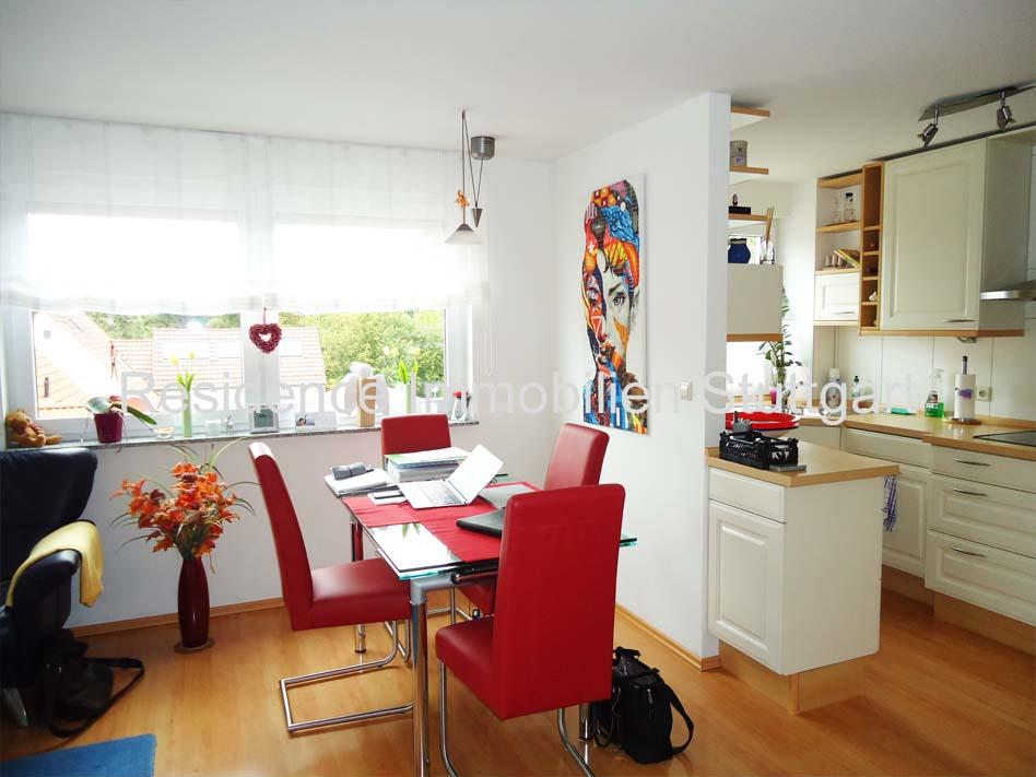 neuwertige 3 5 zimmer mais wohnung mit 3 balkonen aufzug und tg stellplatz. Black Bedroom Furniture Sets. Home Design Ideas