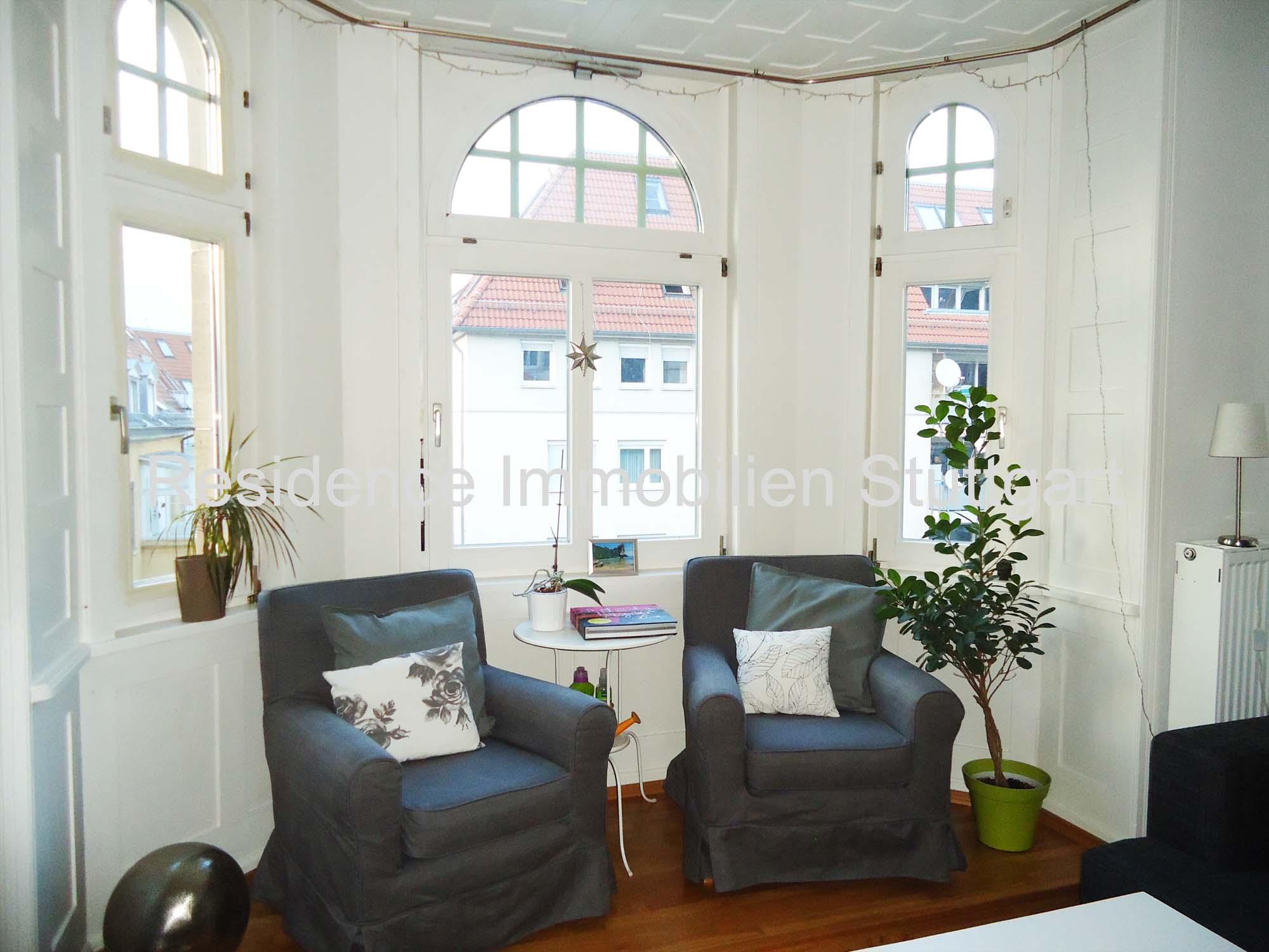 stilvolle wundersch ne 3 zimmer altbauwohnung mit balkon und stuck in zentrumsnaher lage. Black Bedroom Furniture Sets. Home Design Ideas