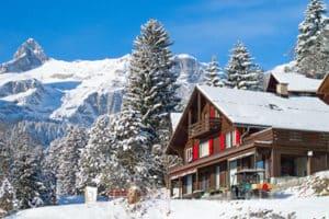Weihnachten Haus im Schnee